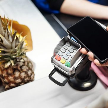 Mobile Payments: 6 Reasons Why You Should Adopt It